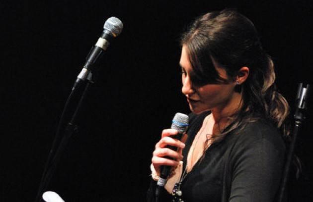 Vincenzo Montuori (Cremona ) presenta la giovane poetessa casertana Anna Ruotolo