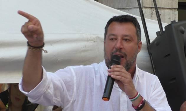 Salvini: ''Azzolina calamità naturale. Felice se Giorgia sale. Più che centrodestra ora siamo il fronte dei produttori''