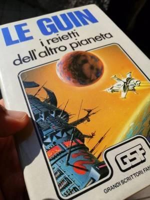 Recensione di Davide Persico del libro Le guin,i reietti dell'altro pianeta
