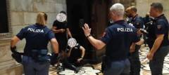 VIDEO ARRESTO - Sequestro di persona in Duomo. Arrestato il responsabile - VIDEO ARRESTO
