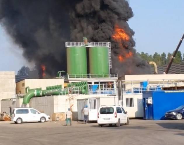 Arvedi Cremona Incendio torre/1 Lega Ambiente: fatto  molto preoccupante.