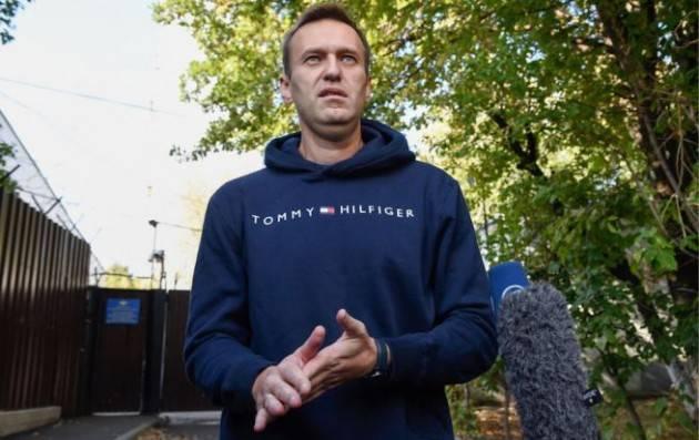 Russia, Navalny, oppositore di Putin, ricoverato: è stato avvelenato