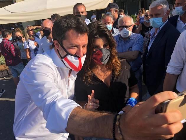 Salvini: ''Con tutti i problemi dell'Italia Conte si preoccupa solo dell'inciucio Pd-M5S''. Musumeci? ''Uomo libero''