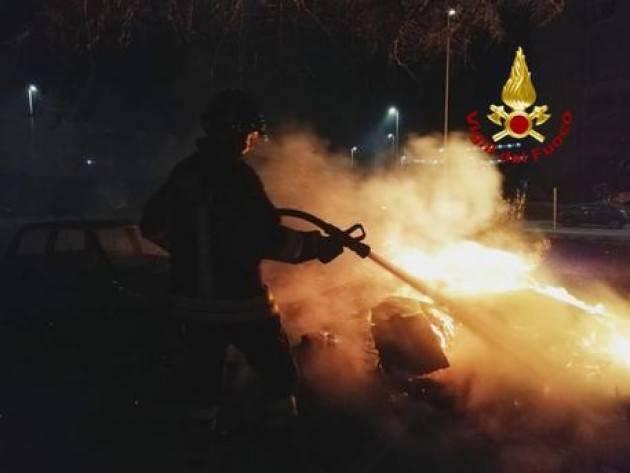 Morti due fidanzati in Auto  che prende fuoco