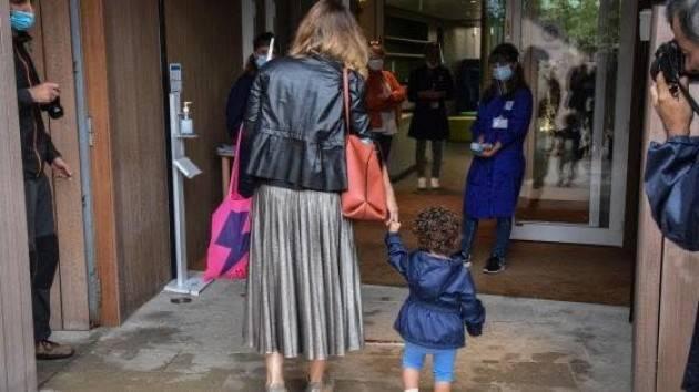 CORONAVIRUS: LA NOTA DI UNA MAMMA SULLE PROCEDURE COVID PER LE SCUOLE