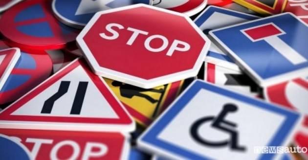 Cambia il codice della strada: multe più facili, autovelox in città e nuove regole per le bici
