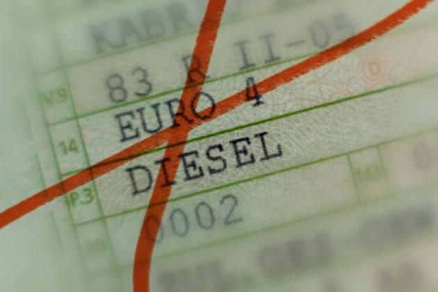 LombNews Qualità aria, slitta a gennaio il blocco degli Euro4 diesel