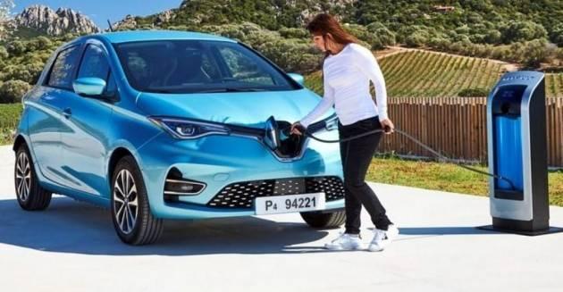 Auto elettriche: il 25% delle nuove immatricolazioni nel 2025