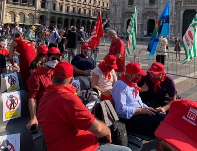 Manifestazioni Cgil-Cisl-Uil Marco Pedretti (sg Cgil Cremona) Il dopo Covid-19 richiede lavoro e più salario (Video G.C.Storti)