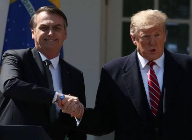 I negazionisti Trump e Bolsonaro battono gli scienziati