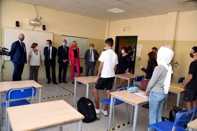 LombNews Scuola al via, il governatore: verso la normalità, ma mancano insegnanti