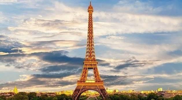 Oltre 13mila nuovi casi per il secondo giorno consecutivo in Francia