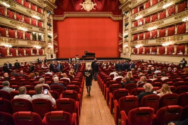 La Scala rinvia presentazione stagione 2O20-2021