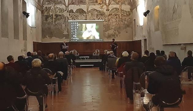 Crema Molte persone alla presentazione ,in sala P.da Cemmo, del libro fotografico ' Il Capanno' di A. Dellera