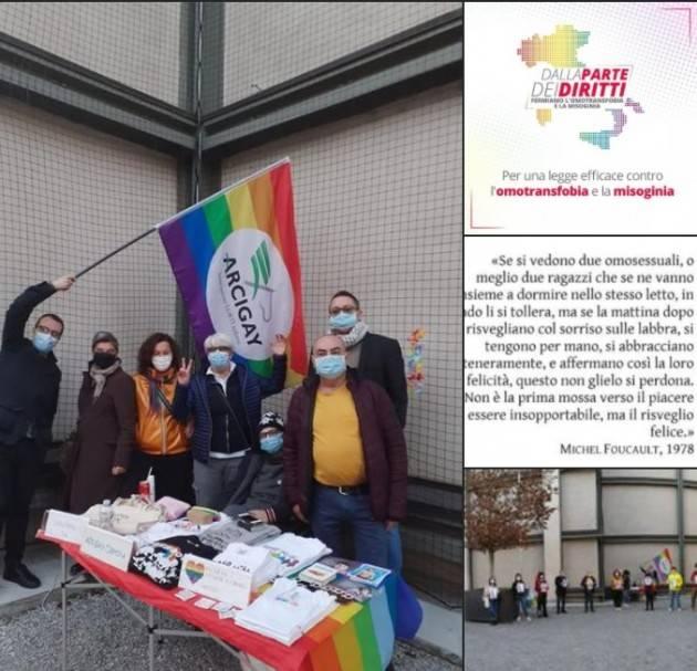 Cremona Arcigay in piazza per chiedere l'approvazione della legge contro l'omotransfobia
