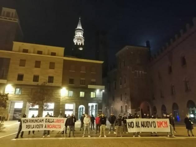 Cremona Nuovo Dpcm: prosegue domenica 1 novembre  la manifestazione in piazza Stradivari