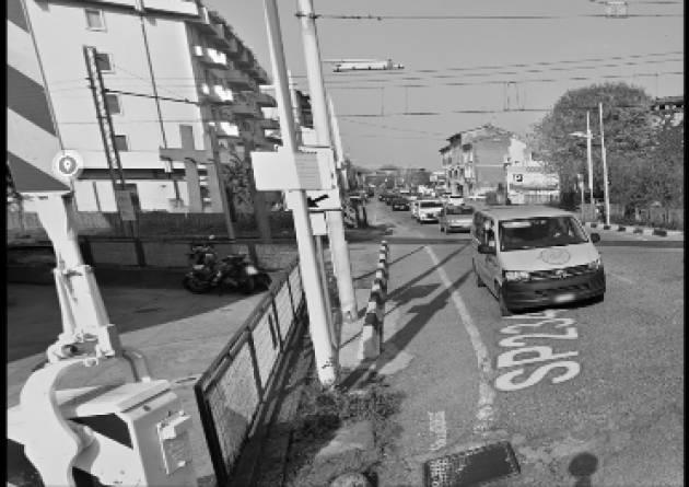 Cremona Uomo sotto il treno al passaggio a livello di via Ghinaglia. Suicidio?