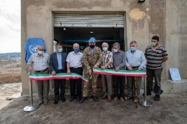 MISSIONE IN LIBANO: CASCHI BLU ITALIANI DONANO UN IMPIANTO PER IL RIFORNIMENTO D'ACQUA