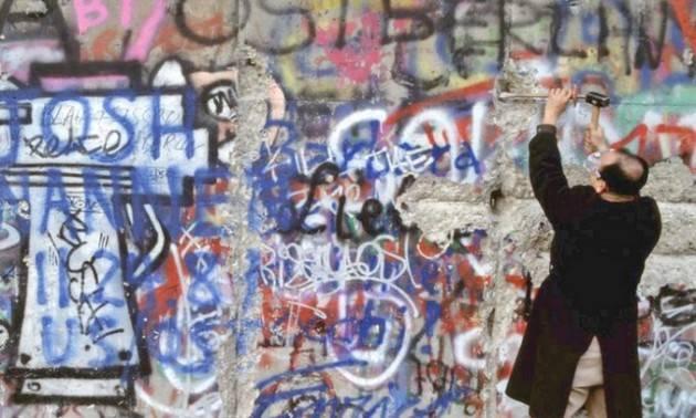 31 anni fa la caduta del Muro di Berlino, il giorno in cui cambiò il mondo