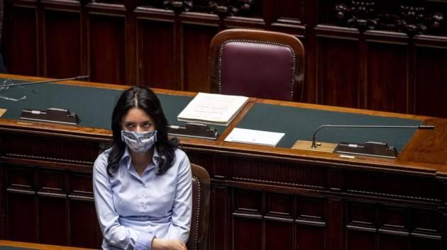 Azzolina: ''Purtroppo in Italia il Ministro non decide su aperture e chiusure''