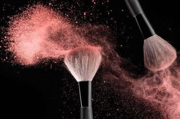 Make-up: consigli pratici su come usare i pennelli per il trucco