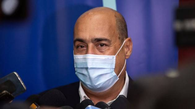 Zingaretti come Berlusconi: ''Non esiste ipotesi di cambio di maggioranza o di governo''