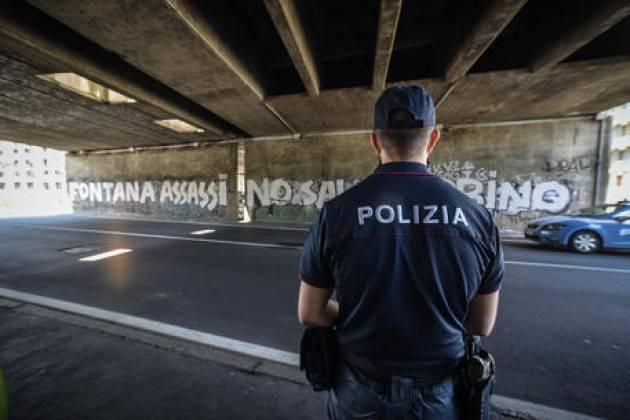 Nuova scritta contro Fontana a Milano