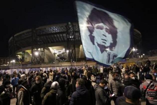 Maradona, l'omaggio della politica