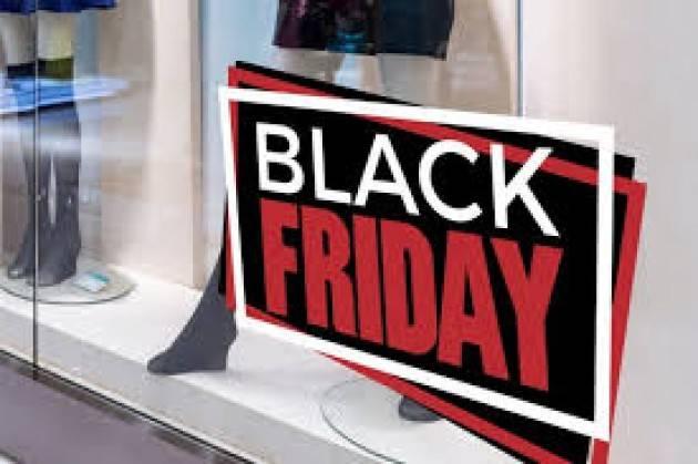 Black Friday, in Lombardia oltre 4 mila negozi online