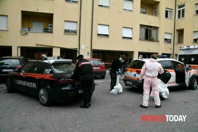 Uomo ucciso per strada a coltellate a Monza