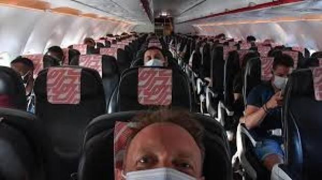 Il contagio in aereo è più basso di quello tra la popolazione generale