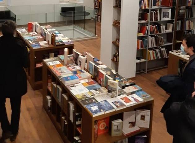Apre nuova libreria a Crema  Realizzazione Francesco Brioschi  e Cremasca