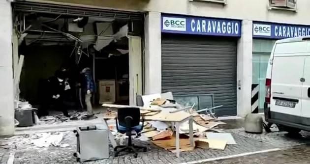 CREMA - UN SECONDO FILMATO RIPRENDE LA BANDA CHE HA ASSALTATO IL BANCOMAT
