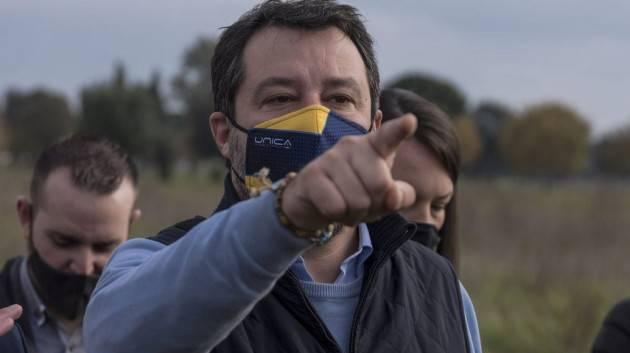 Salvini smentisce dialogo per nuovo governo con M5S, Pd e Renzi