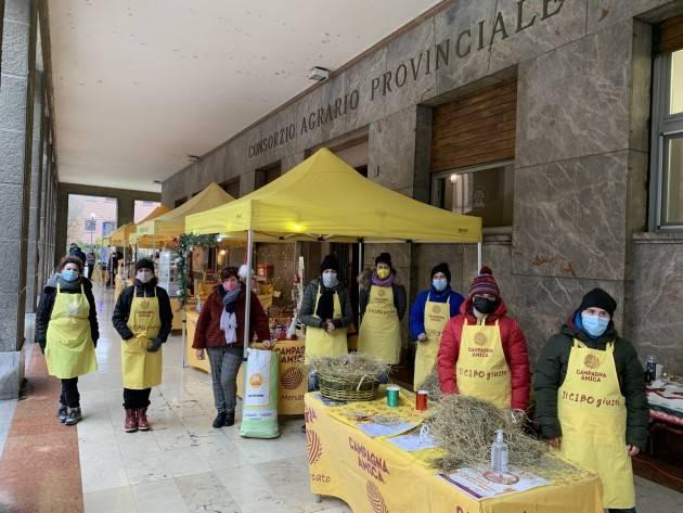 Cremona, la spesa sospesa al mercato di Campagna Amica