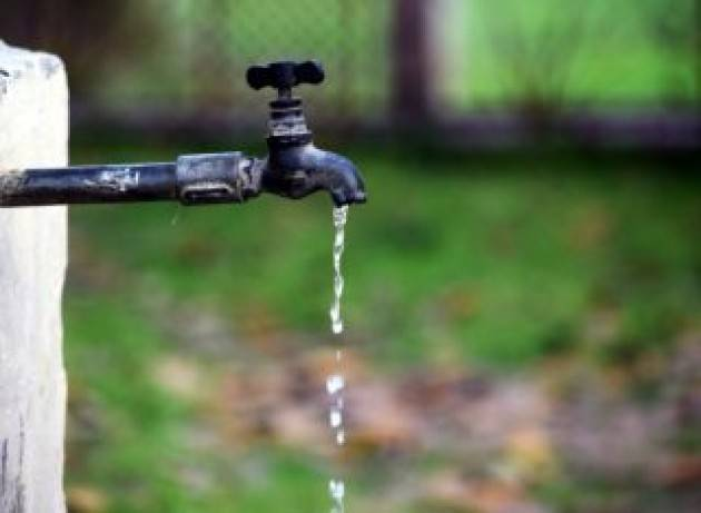 Bonus idrico? Prima di arrivare al rubinetto perdiamo il 42% dell'acqua immessa in rete