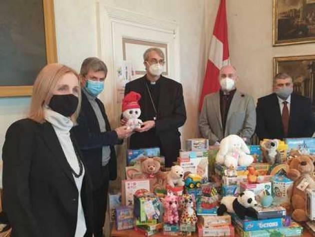 Comune di Pavia dona giocattoli a oratori e famiglie
