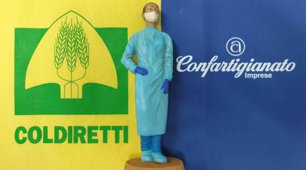 Coldiretti COVID: INFERMIERA NUOVO PERSONAGGIO DEL PRESEPE 2020