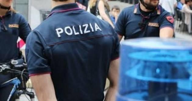 Anziana chiama polizia per avere compagnia a Milano