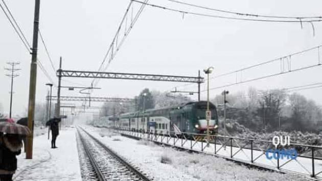 Allerta neve, lunedì ridotti i treni in Lombardia