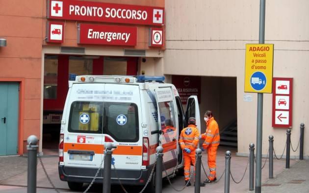 Fuga di gas, esplosione in casa nel pavese: anziano ferito