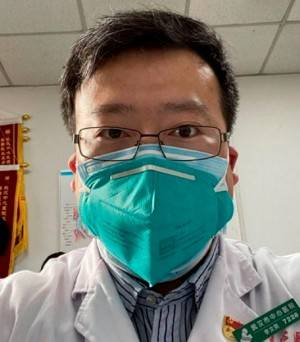Lin Wenliang, l'eroe di Wuhan costretto a ritrattare le scoperte sul Covid-19