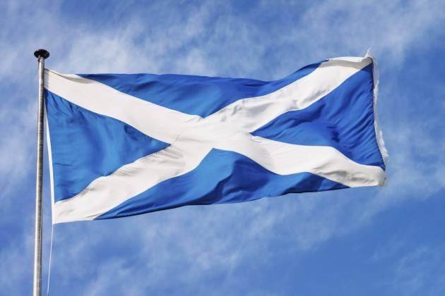 ADUC Stati Uniti d'Europa. Il Regno Unito isolato, ma la Scozia vuole rimanere nell'Ue.