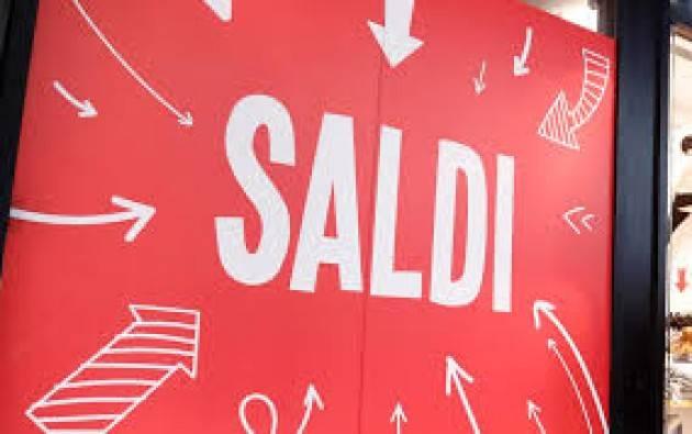 A Milano Saldi a rilento