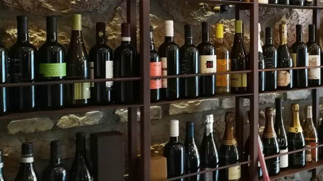 Stop enoteche affossa il vino made in Italy