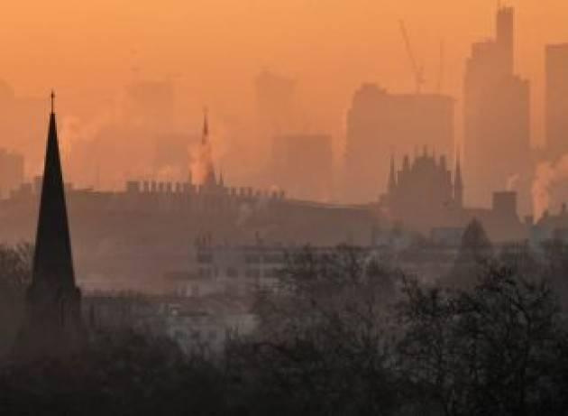 I veri legami tra emissioni, inquinamento ed economia