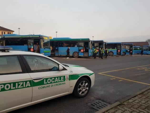 Cremona Galimberti ringrazia VV.UU per servizio p.zzale autobus