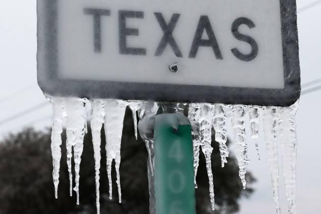 Ed anche questa è America: Neve, ghiaccio, freddo, blackout elettrico |Oscar Bartoli