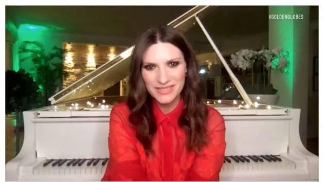 LAURA PAUSINI VINCE I GOLDEN GLOBE: E' LA PRIMA VOLTA PER L'ITALIA - VIDEO