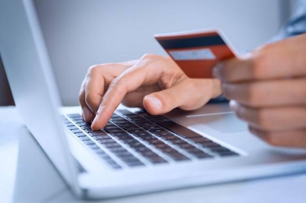 Federconsumatori Commercio: a gennaio vendite dettaglio -6,8% sull'anno.